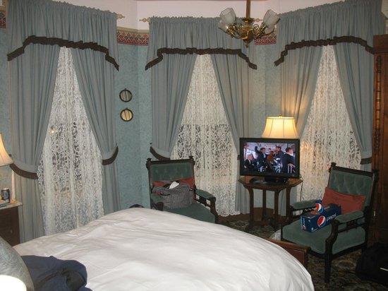 Atlantic Hotel:                   Blue Room