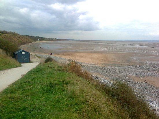 Wirral Country Park:                   Looking down the estuary towards Chester.
