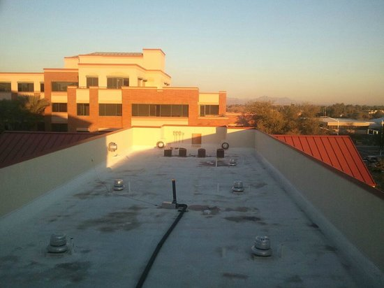 Hilton Garden Inn Scottsdale Old Town:                   view from my room