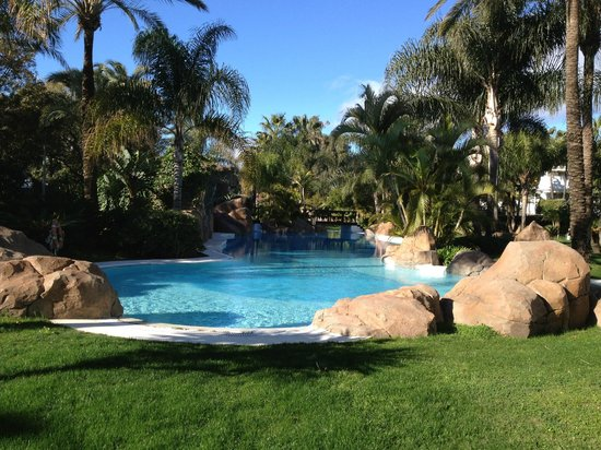 Meliá Marbella Banus:                   La piscina del Jardín