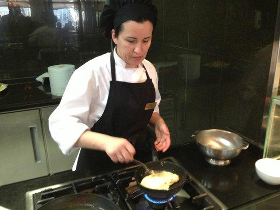 Melia Marbella Banus:                   Cooking en el desayuno                 