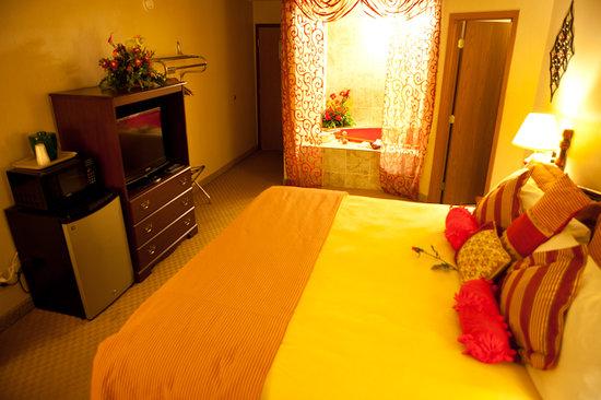 Scenic Hills Inn: Jacuzzi Room