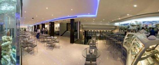 Chocolat Royal: Panoramic Cafe Royal