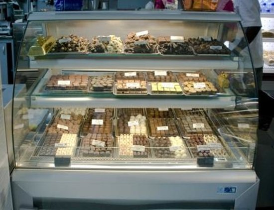 Chocolat Royal: Chocolate Display