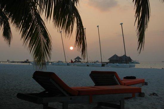 Club Med Kani:                                     couché de soleil au paradis