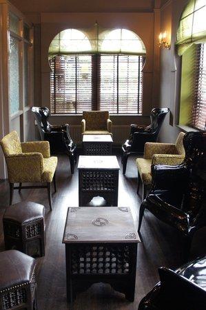 Angeethi: Cocktail Lounge