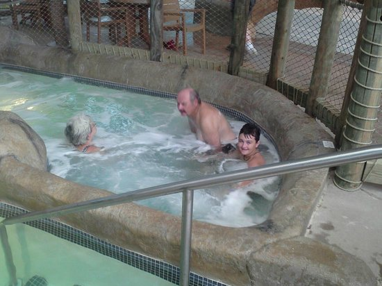 Palm Island Indoor Waterpark:                                                       hot tub