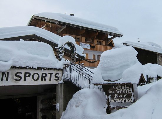 Loc'hotel Alpen'Sports:                   LocHotel Alpen Sports and a lot of snow