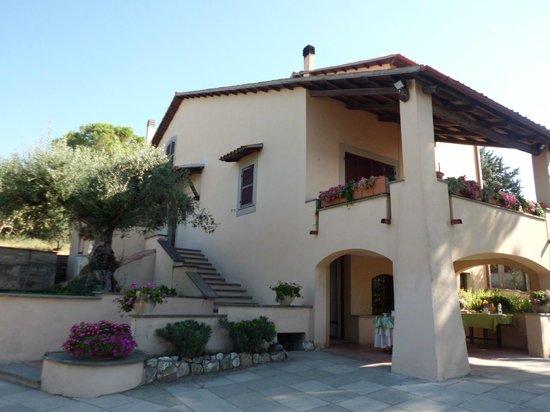 Villa Medullia:                   Panorama B&B