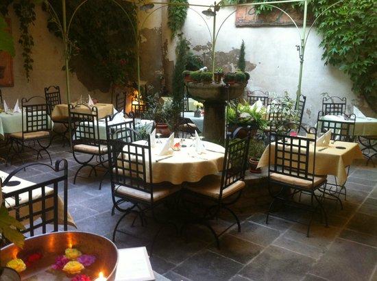 Restaurant c t jardin dans cavaillon avec cuisine for Restaurant o jardin