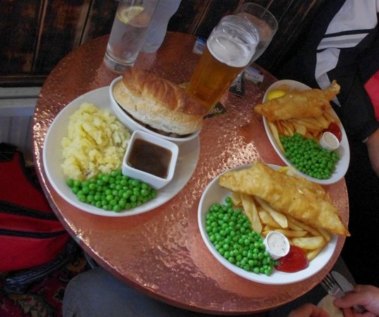 The Prince of Wales :                   Fish & Chips and Pie