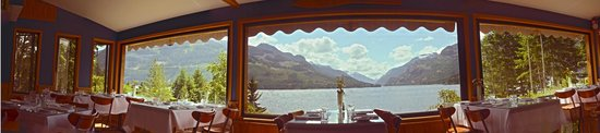 Strathcona Park Lodge & Outdoor Education Centre: The view from Myrna's restaurant.