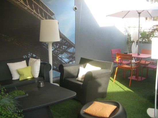7 โรงแรมไอเฟล:                                                       Terraza / Terrace / Terrasse