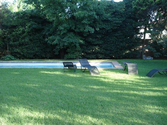 Susana Just B&B :                   Großzügiger Garten mit Pool