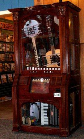 Wall Drug Store Cafe:                   Mechanical Jukebox