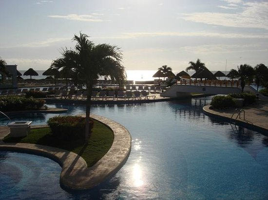 Moon Palace Golf & Spa Resort:                   The Pool