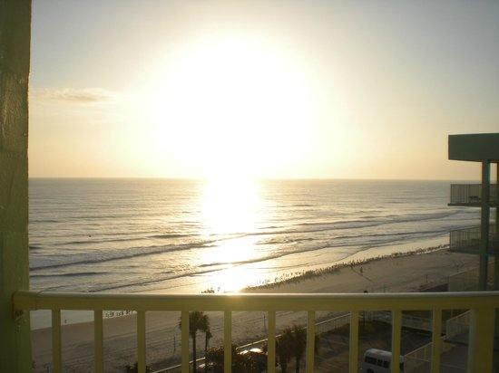 El Caribe Resort and Conference Center:                   Sunrise from out balcony