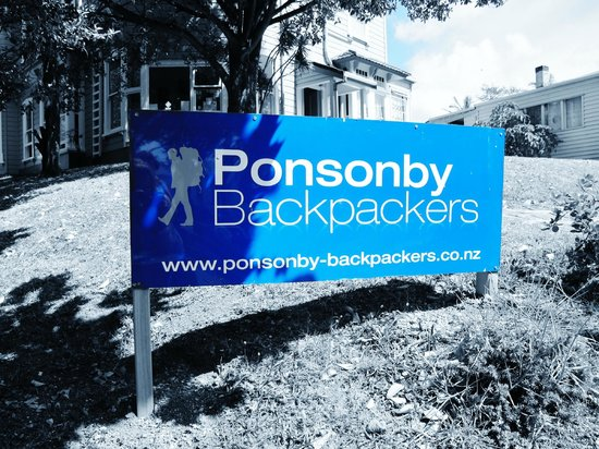 Ponsonby Backpackers : front
