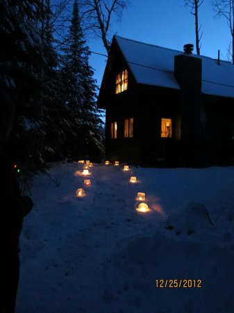 Bearskin Lodge:                   Ice lanterns by Cabin #1