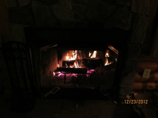 Bearskin Lodge:                   Cozy fire!