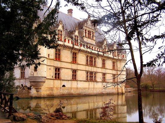 Chateau of Azay-le-Rideau:                   Chateau Azay-le-Rideau