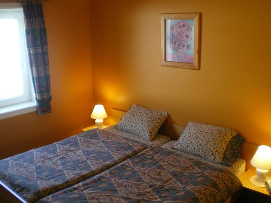 Hunter's Mountain Chalets: Bedroom 2-bdrm.unit