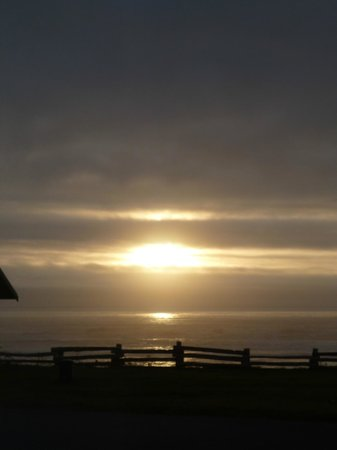 Kalaloch Lodge:                   Sunset from Cabin #25
