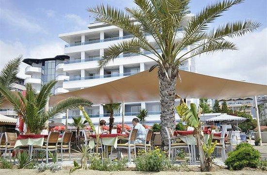 Azak Beach Hotel: Hotel view from beach