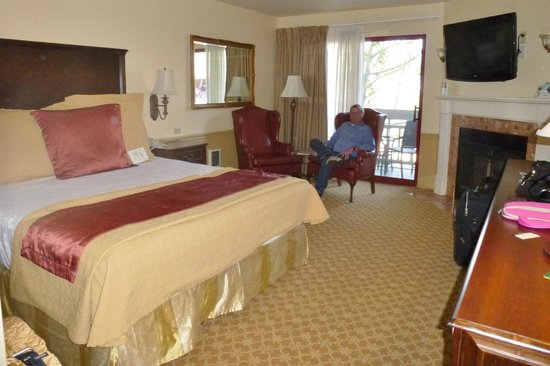 BEST WESTERN PLUS Victorian Inn:                   Our large king room with fireplace.