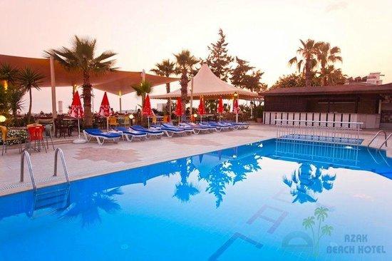 Azak Beach Hotel: Pool area