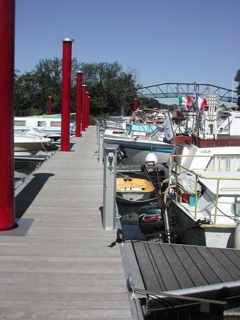 Le Port aux Cerises