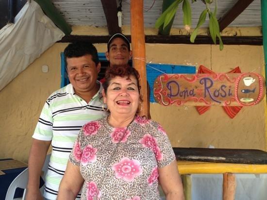 Dona Rosita:                   La super amable Doña Rosi junta a su esposo y al chico que los ayuda