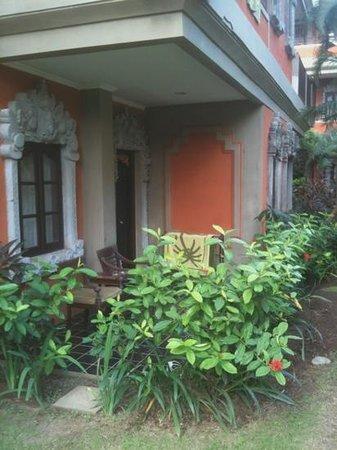 Adi Dharma Hotel:                   deluxe room
