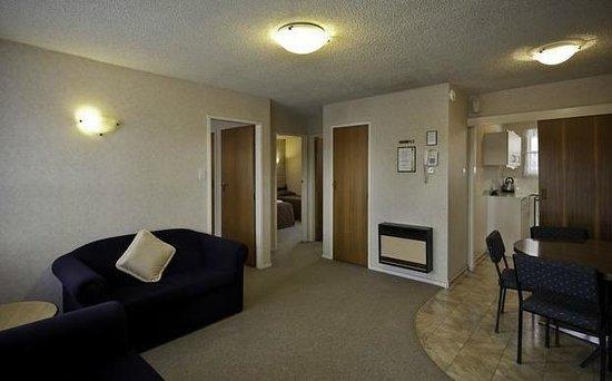 Boundary Court Motor Inn: Two bedroom unit