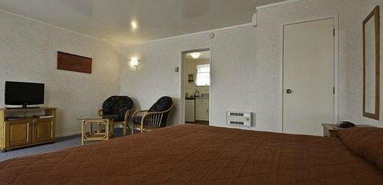Boundary Court Motor Inn: Deluxe Studio