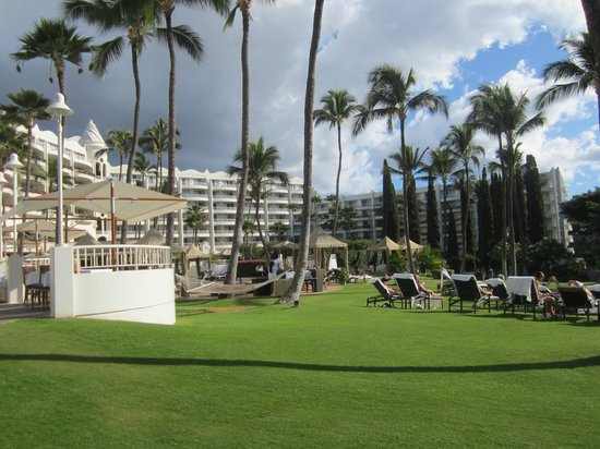 Fairmont Kea Lani, Maui:                   Open area near pools
