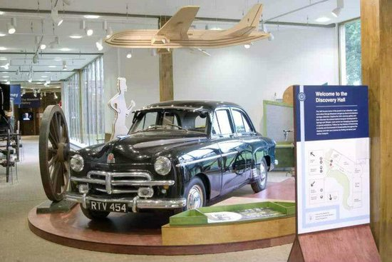 Stockwood Discovery Centre:                   Entrance to the museum - Luton = Vauxhall of course!