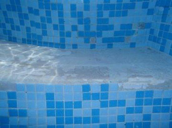 Samsara Cliffs Resort:                   i was cut twice from the pool
