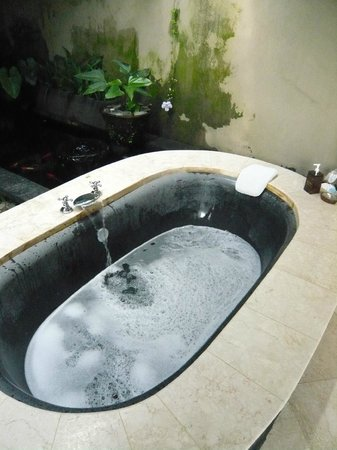 Amori Villas:                   Relaxing with Amori's bath fragrance