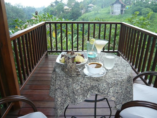Amori Villas:                   Dining on my balcony