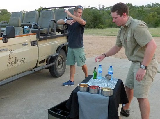 Arathusa Safari Lodge:                   drinks at the evening game drive