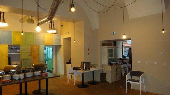 NYX Prague:                   Comedor