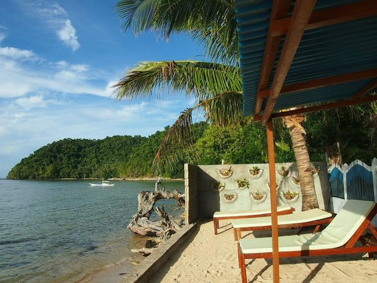 The Lounge Chairs That You Never Want To Leave Picture Of Caalan Beach Resort El Nido Tripadvisor