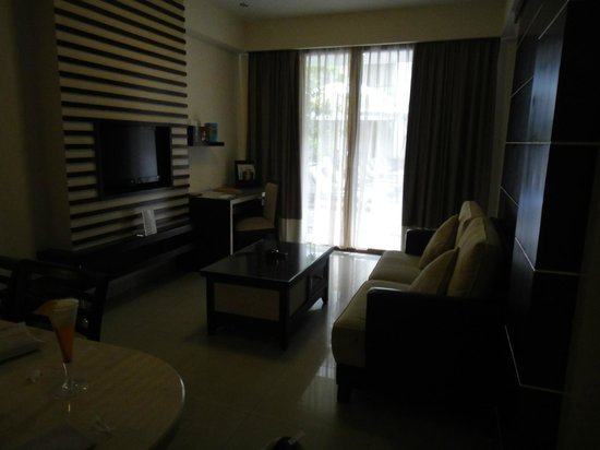 Aston Kuta Hotel & Residence:                   Lounge room - Executive Room