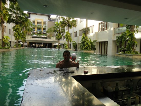 Aston Kuta Hotel & Residence:                   Pool Bar