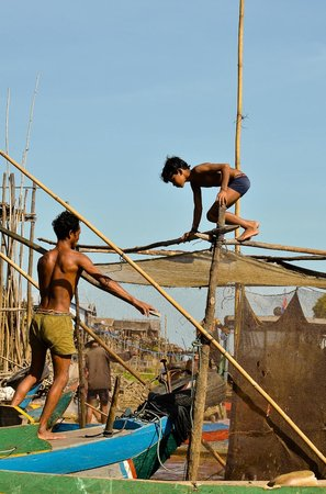 Daily life in floating village-Kompong Phluk