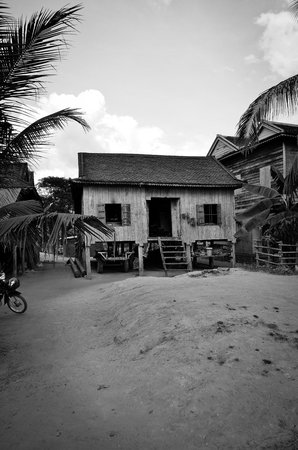 Kompong Phluk:                   Local village house for lunch