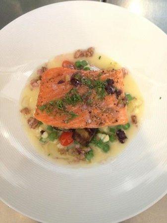 Amuse Restaurant:                   yummy salmon!