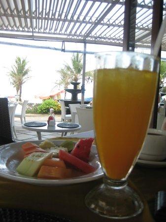 Puri Raja:                   Yummy breakfast cooked to order                 