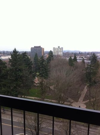 DoubleTree by Hilton Hotel Portland:                   12th floor